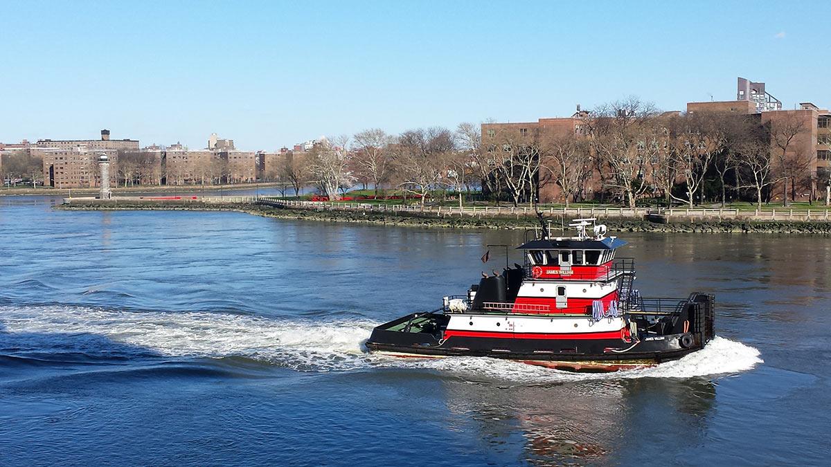 Tugboat_EastRiver_sm